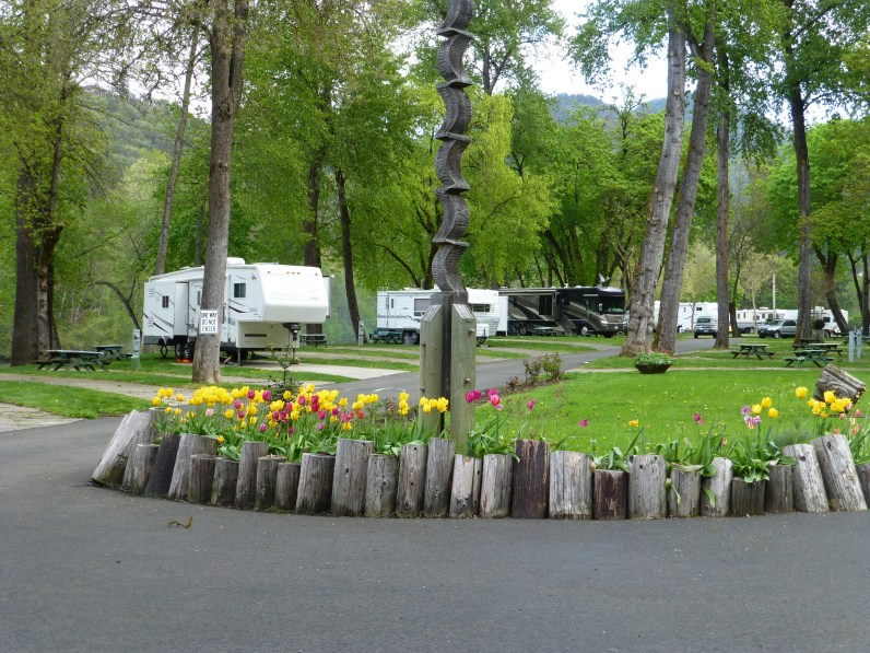 'Riverpark RV Resort,This is a small, quiet and very nice park in the trees right next to the Rogue River. Highly recommended!