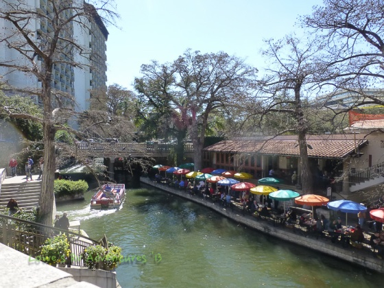 Restaurants along the Rio