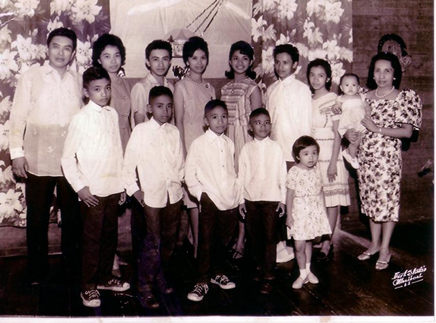 Em Mo Sandalo Family