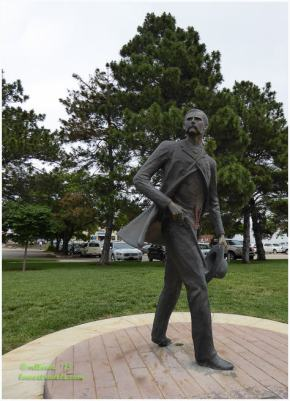 Wyatt Earp Sculpture