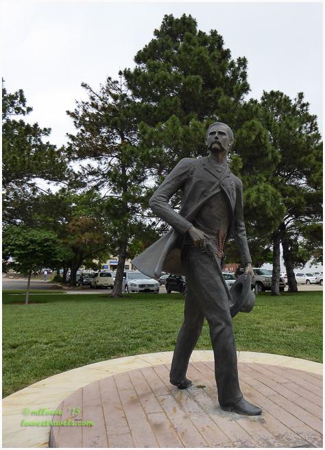 Wyatt Earp Sculpture