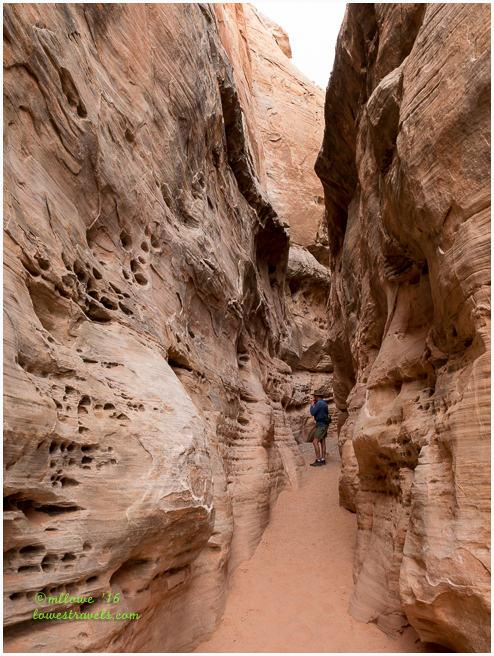 Slot Canyon, White Domes Trail