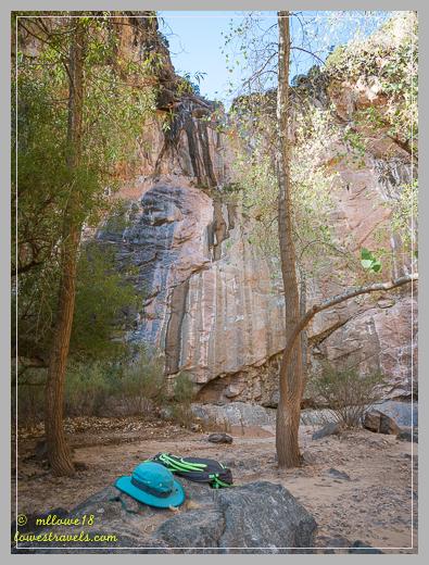 A dry waterfall along No Thoroughfare Trail