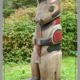 A Nuu-chah-nulth welcome pole