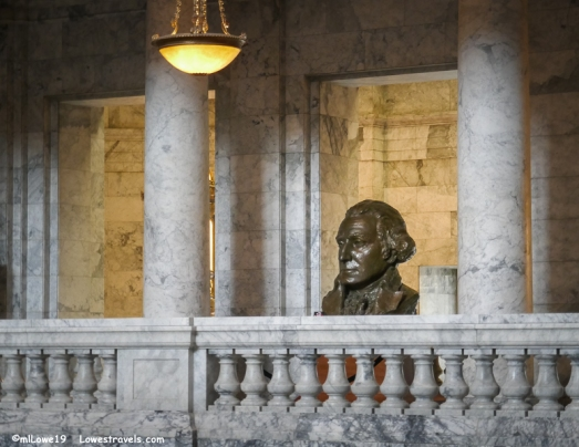 A gigantic bust of George Washington
